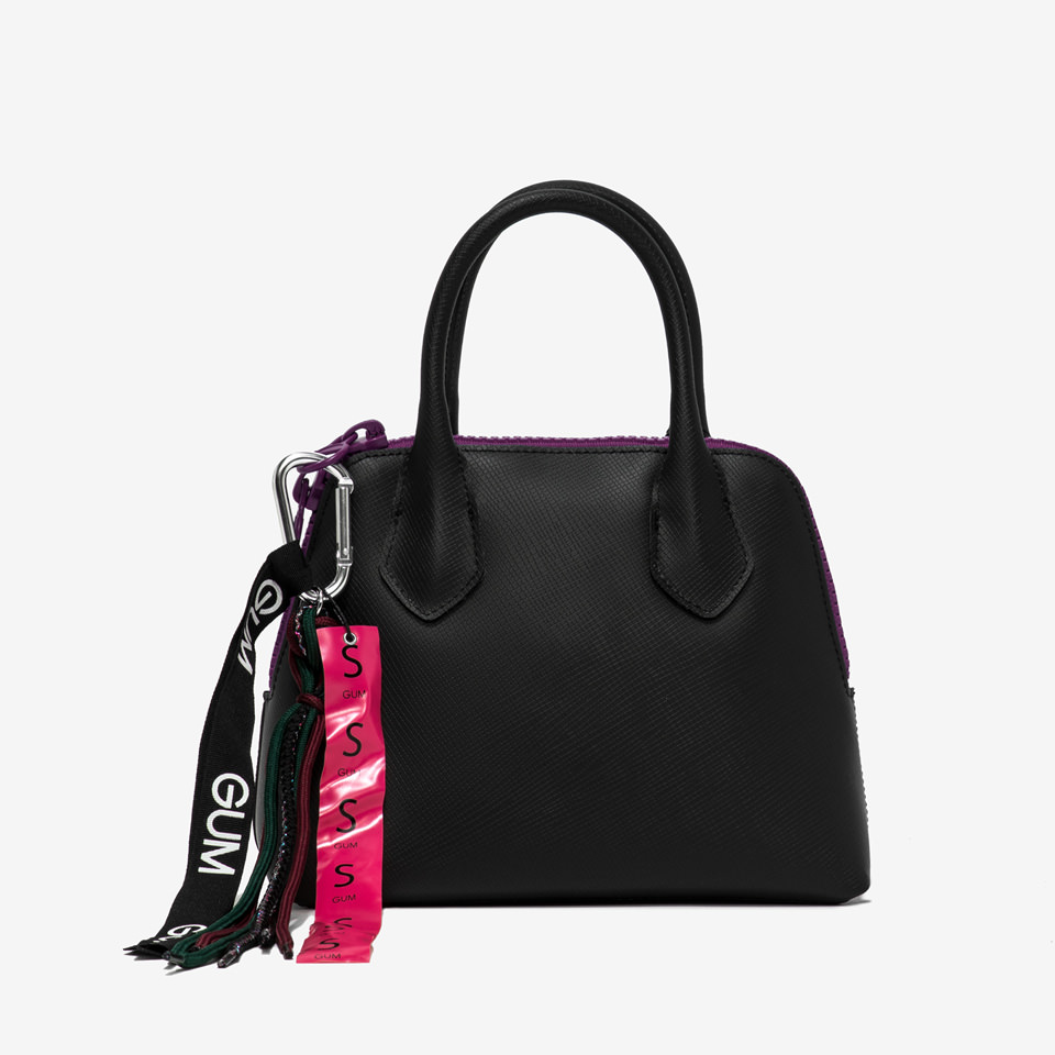 GUM: SPORTING SMALL HAND BAG