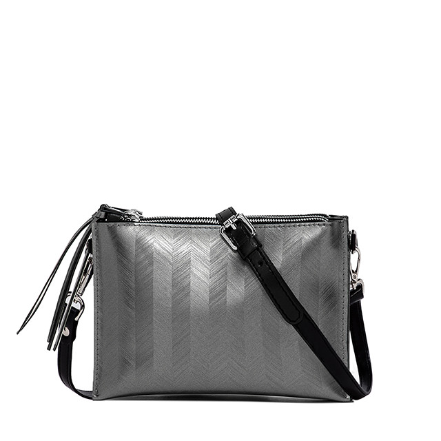 GUM MEDIUM SIZE SPIKE CLUTCH BAG