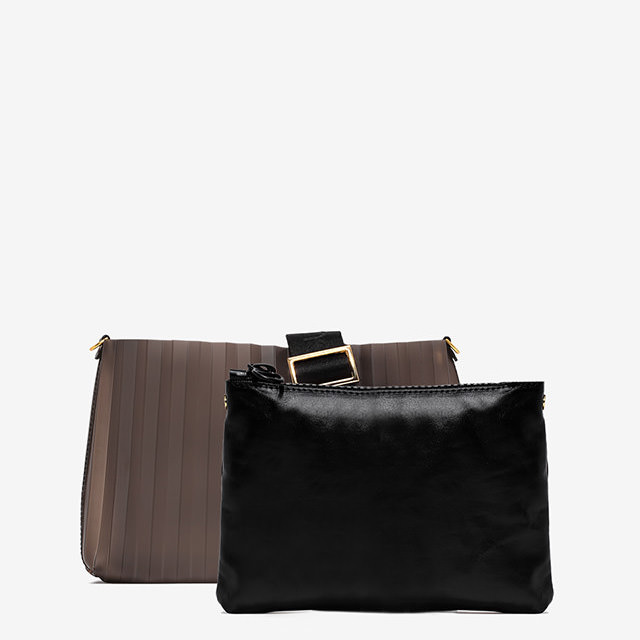 GUM MEDIUM SIZE NUMBERS PLISSE CLUTCH BAG
